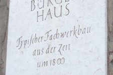Hotel Benn exterior memorial plaque