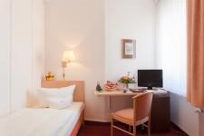 Hotel Benn interior room